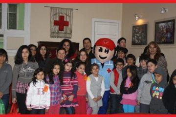 foto de niños en taller de primeros auxilios